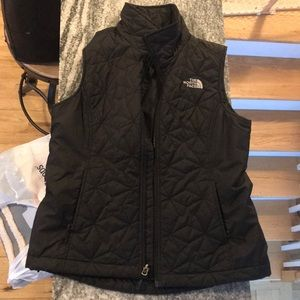 North Face Women's size small black vest